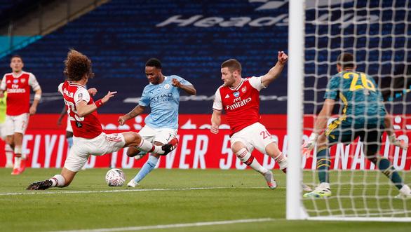 Aubameyang rực sáng, Arsenal hạ Man City vào chung kết Cúp FA - Ảnh 2.