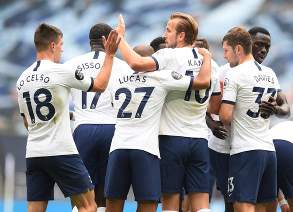 Thảm bại trước Tottenham, Leicester gặp khó trong cuộc đua vào tốp 4 - Ảnh 3.