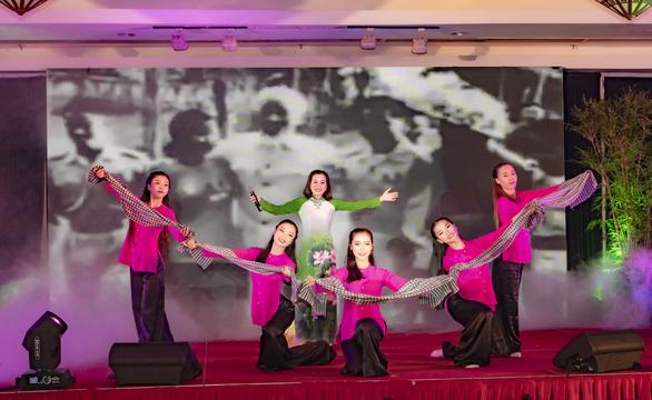 Saigontourist Group tổ chức hội diễn văn nghệ chào mừng 45 năm thành lập - Ảnh 1.