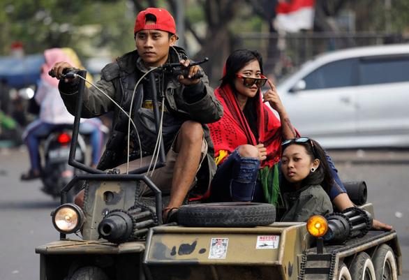 Những chiếc xe Vespa không đụng hàng ở Indonesia - Ảnh 4.