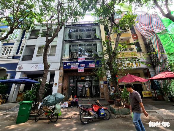 Tan tác phố Hàn Quốc ở Sài Gòn - Ảnh 2.