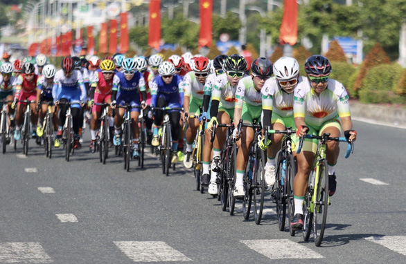 Nguyễn Thị Thật và Thu Mai thống trị các đợt nước rút tại Giải xe đạp nữ toàn quốc 2020 - Ảnh 2.