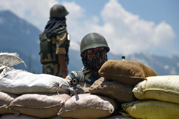Trung Quốc - Ấn Độ rút quân từng đợt khỏi biên giới - Ảnh 1.