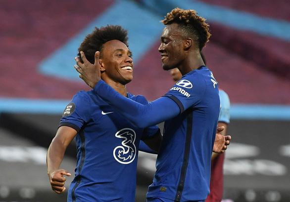 Willian lập cú đúp, Chelsea vẫn trắng tay trước West Ham - Ảnh 1.