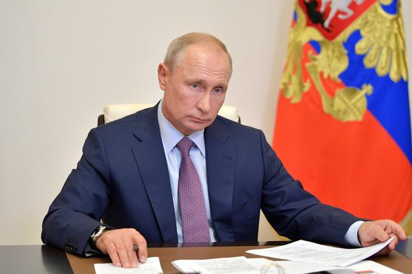 Mỹ, EU nghi Nga gian lận trưng cầu ý dân sửa Hiến pháp để ông Putin cầm quyền đến 2036 - Ảnh 1.