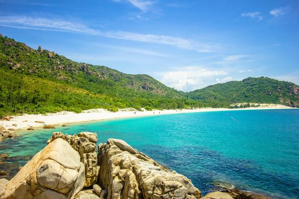 Xách balô lên để thấy biển Ninh Thuận - Khánh Hòa mình đẹp lắm - Ảnh 1.