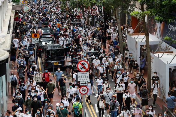 Ông Biden gọi luật an ninh Hong Kong là đòn chí tử, dọa trừng phạt nếu đắc cử - Ảnh 2.