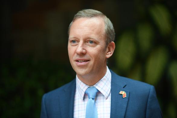 Đại sứ Anh tại Việt Nam: Chính phủ Anh phối hợp các đại học hỗ trợ sinh viên quốc tế - Ảnh 1.