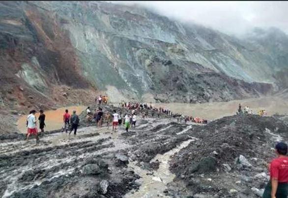 Sạt lở mỏ ngọc bích ở Myanmar, 113 người chết - Ảnh 6.