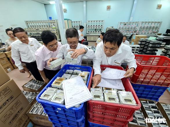 Từ 14.867 kiến nghị về hóa đơn tiền điện, 5 người được trả lại tiền - Ảnh 1.