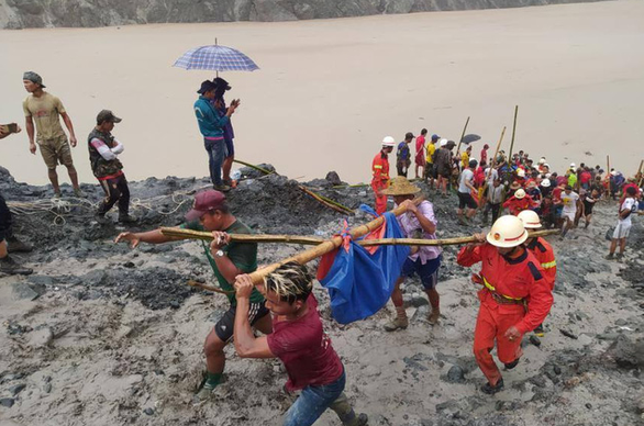 Sạt lở mỏ ngọc bích ở Myanmar, 113 người chết - Ảnh 4.