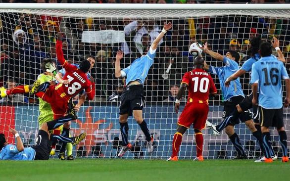 Sau 10 năm, cầu thủ Ghana vẫn cay cú với Suarez - Ảnh 1.