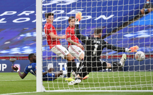 Đè bẹp Man Utd, Chelsea vào chung kết Cúp FA - Ảnh 3.