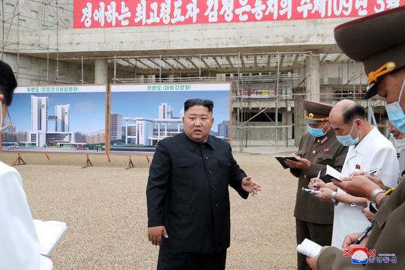 Ông Kim Jong Un đòi thay quan chức kêu gọi dân góp tiền xây bệnh viện - Ảnh 1.