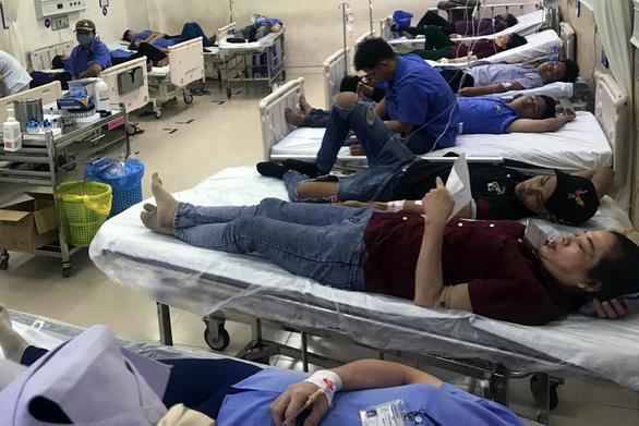 Hơn 100 công nhân nhập viện cấp cứu sau bữa cơm tối - Ảnh 4.