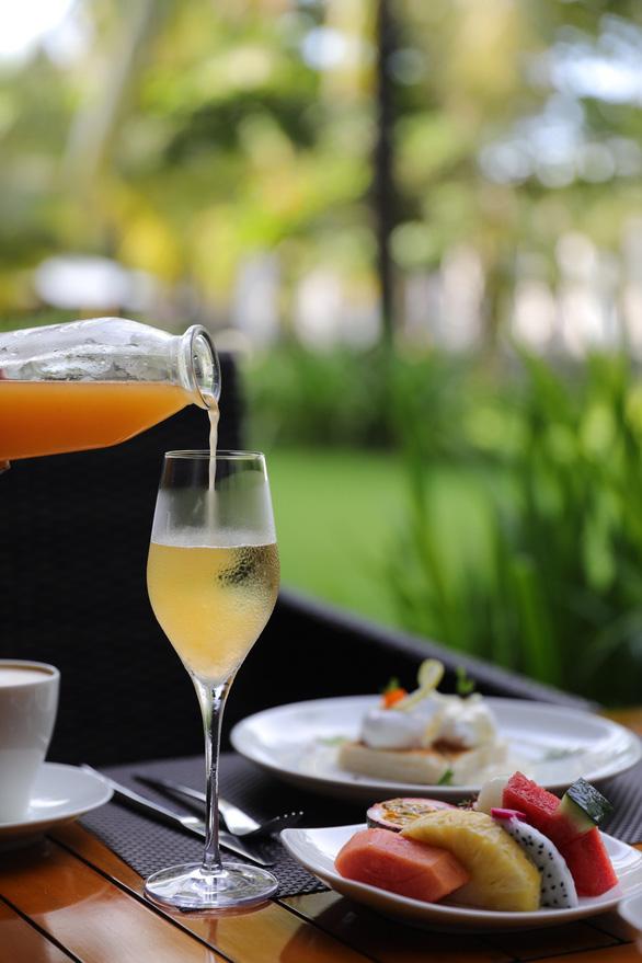 Tận hưởng bữa sáng sang trọng tại Salinda Resort - Ảnh 2.