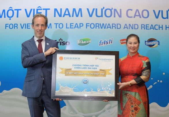 Sữa Cô Gái Hà Lan đầu tư 55 tỉ đồng chăm sóc dinh dưỡng cho học sinh - Ảnh 1.