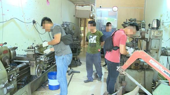 Triệt phá xưởng làm súng quy mô lớn ở Hải Phòng - Ảnh 1.