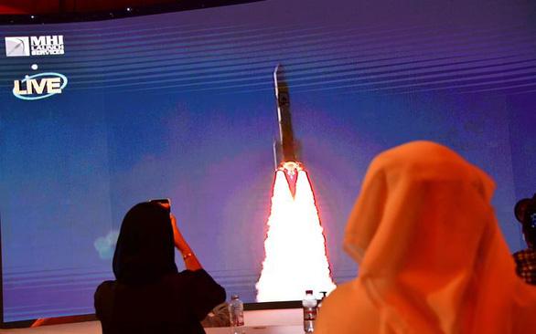 UAE vừa phóng tàu thăm dò sao Hỏa đầu tiên - Ảnh 1.