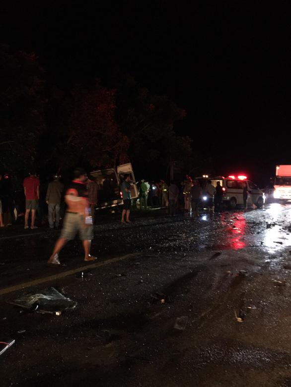 Tai nạn giao thông nghiêm trọng, ít nhất 5 người chết, 9 người bị thương - Ảnh 2.