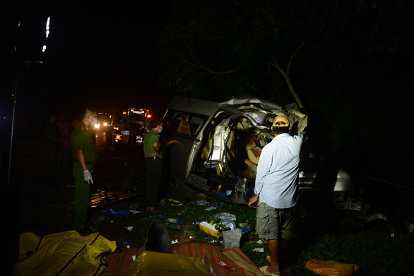 Vụ tai nạn 8 người chết ở Bình Thuận: chưa xác định được ai lái xe khách - Ảnh 1.