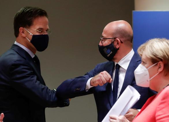 Châu Âu đã thỏa hiệp được gói tiền lớn cho hồi phục kinh tế - Ảnh 2.
