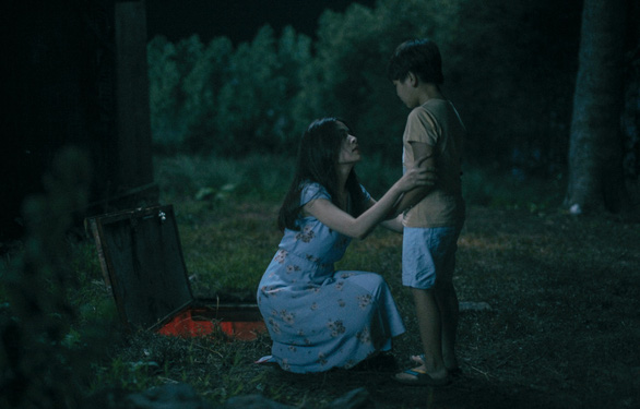 Hoàng Thùy Linh - Mẹ đơn thân, nghi phạm giết người trong Trái tim quái vật - Ảnh 3.