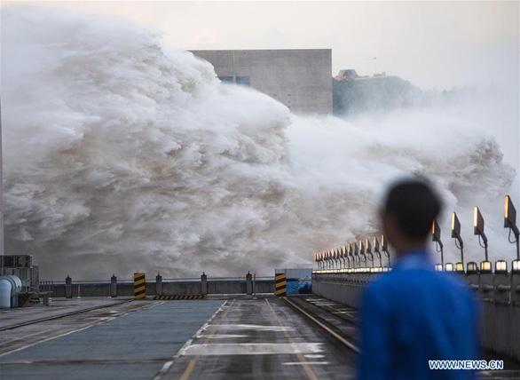 Trung Quốc đang trải qua trận lũ một lần trong một thế kỷ - Ảnh 2.