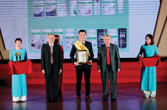 Herbalife Việt Nam nhận Giải thưởng Sản phẩm Vàng vì Sức khỏe Cộng đồng năm 2020 - Ảnh 2.