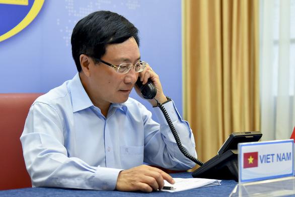 Phó thủ tướng Phạm Bình Minh điện đàm với Ngoại trưởng Mỹ Mike Pompeo - Ảnh 1.