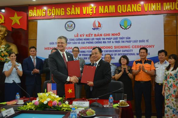 Mỹ sẽ hỗ trợ ngư dân Việt Nam trước đe dọa bất hợp pháp trên biển - Ảnh 1.