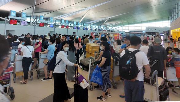 Bộ trưởng yêu cầu các hãng hàng không thực hiện nghiêm nghĩa vụ với hành khách - Ảnh 1.
