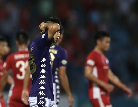 V-League 2020: CLB Hà Nội có trụ được ở top 8? - Ảnh 1.