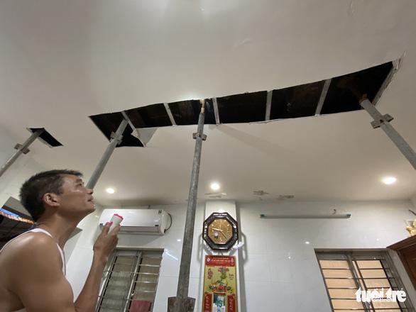 Chống nạng ngôi nhà trong phố cổ Hà Nội bị sụp lún do xây khách sạn - Ảnh 5.
