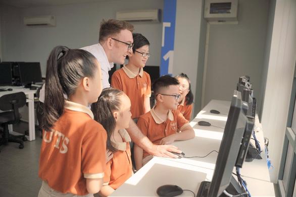 Môi trường học tập chuẩn quốc tế qua góc nhìn của một giáo viên bản ngữ - Ảnh 1.