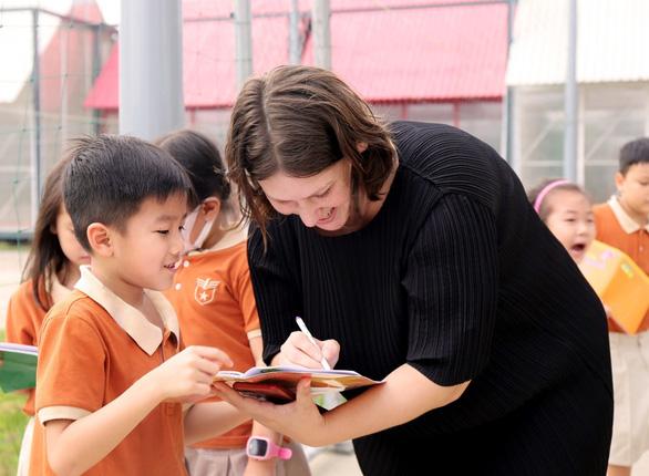 Môi trường học tập chuẩn quốc tế qua góc nhìn của một giáo viên bản ngữ - Ảnh 2.