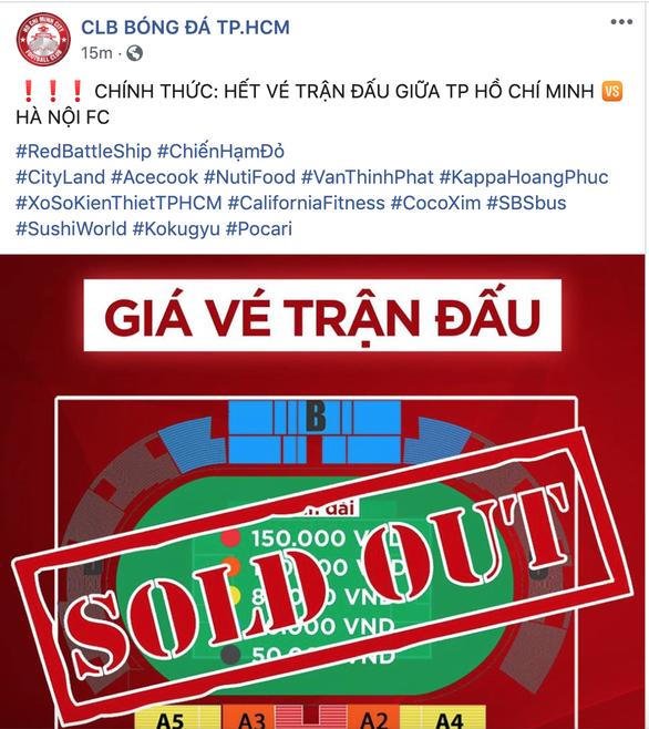 Trận đại chiến CLB TP.HCM - CLB Hà Nội bán hết vé, cổ động viên tiếc nuối - Ảnh 1.