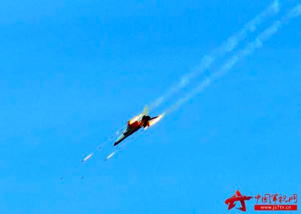 Bị Mỹ bác yêu sách chủ quyền, Trung Quốc tập trận bắn 3.000 tên lửa ở Biển Đông? - Ảnh 1.
