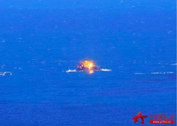 Bị Mỹ bác yêu sách chủ quyền, Trung Quốc tập trận bắn 3.000 tên lửa ở Biển Đông? - Ảnh 2.