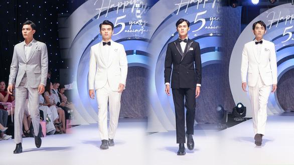Lynk Lee truyền tải thông điệp tích cực về sự tự tin qua thời trang - Ảnh 6.