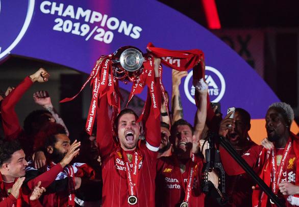 Liverpool thắng đậm Chelsea trong ngày nâng cúp vô địch - Ảnh 1.