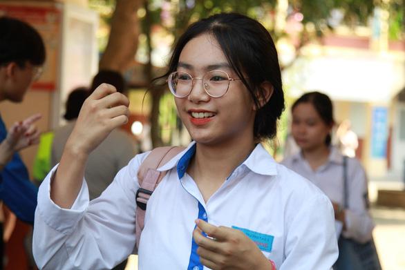 Hà Nội công bố đáp án thi tuyển sinh lớp 10 - Ảnh 1.
