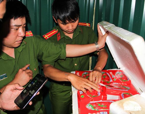 Phát hiện 8 tấn dâu tây nghi của Trung Quốc giả mạo dâu tây Đà Lạt - Ảnh 3.