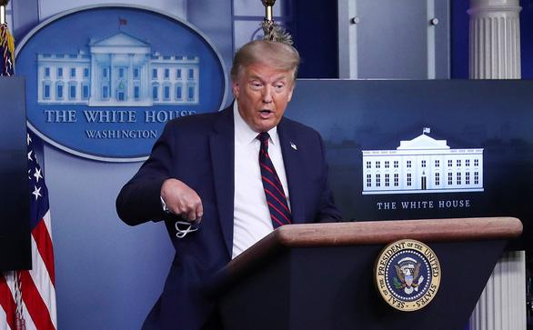 Tổng thống Donald Trump: Hãy đeo khẩu trang - Ảnh 1.