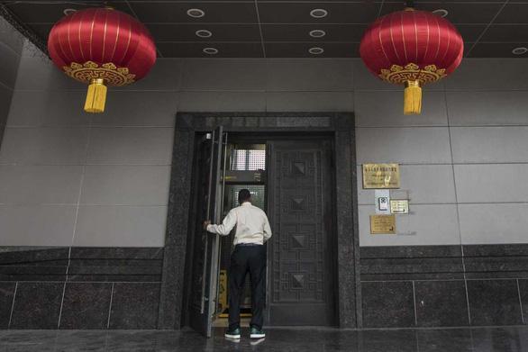 Giải mã lý do bí ẩn khiến Mỹ đóng cửa Tòa lãnh sự Trung Quốc ở Houston - Ảnh 1.
