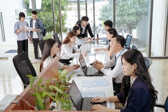 Trường Đại học Văn Hiến hỗ trợ học phí cho Tân Sinh viên - Ảnh 1.
