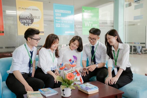 Trường Đại học Văn Hiến hỗ trợ học phí cho Tân Sinh viên - Ảnh 2.