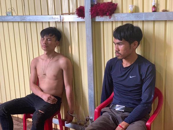 CSGT nổ súng bắt nhóm thanh niên vận chuyển 200kg ma túy đá vào TP.HCM - Ảnh 3.