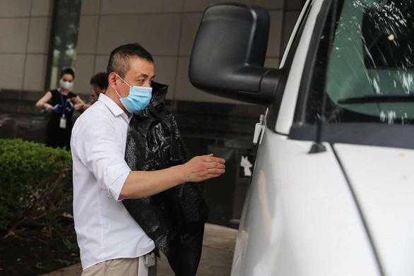 Tổng lãnh sự Trung Quốc tại Houston: Đốt tài liệu trước khi ra đi là chuyện bình thường - Ảnh 2.