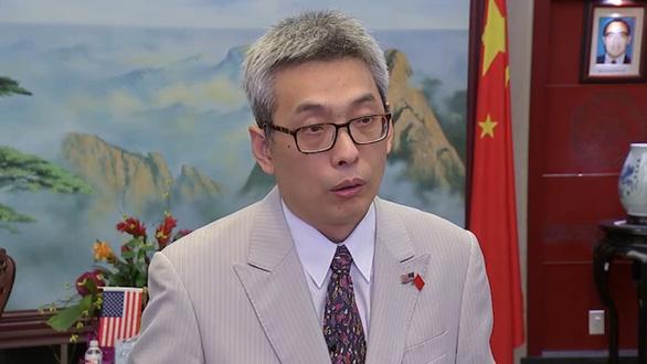Tổng lãnh sự Trung Quốc tại Houston: Đốt tài liệu trước khi ra đi là chuyện bình thường - Ảnh 1.